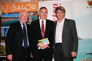 "Conor Power (centre) receiving the award in the ""Short Breaks"" category at the Travel Extra Travel Writer of the Year awards in Dublin, 23rd January 2015"